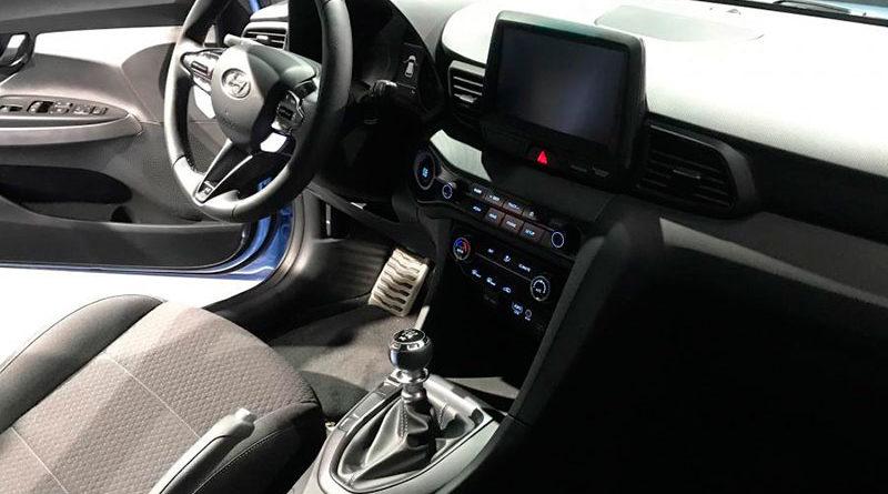 Новый Hyundai Veloster - интерьер
