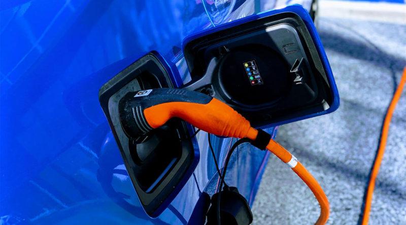 Конкуренция электромобилей сводится к одному: батареям